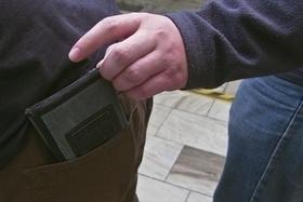 O vánočních nákupech myslete i na to, jak se nestat obětí kapesní krádeže.